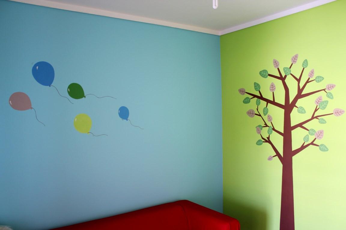 Παιδική τοιχογραφία Δέντρο και Μπαλόνια PT009