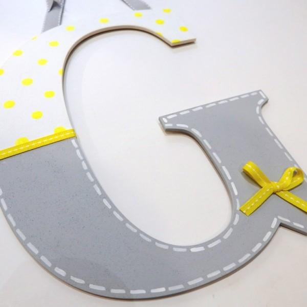 Ξύλινο μονόγραμμα σε γκρι κίτρινο - ZG057