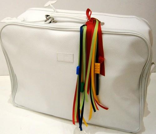 Βαλίτσα δερματίνη βάπτισης με τουβλάκια Lego VK069