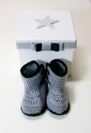 Σετ δώρου για νεογέννητα Μποτάκια με κουτάκι NBG071