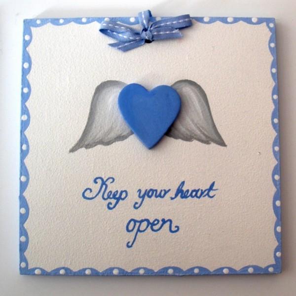 Παιδικό ταμπελάκι πόρτας Φτερωτή καρδιά DTP044