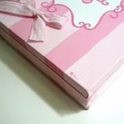 Παιδικό καδράκι Ροζ φουξ ριγέ με όνομα DPP082