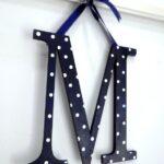 Ξύλινο μονόγραμμα σε κορνίζα – ναυτικό μπλε   –   ZG060