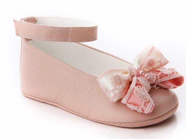 βαπτιστικά-παπούτσια-αγκαλιάς-κορίτσι-8007
