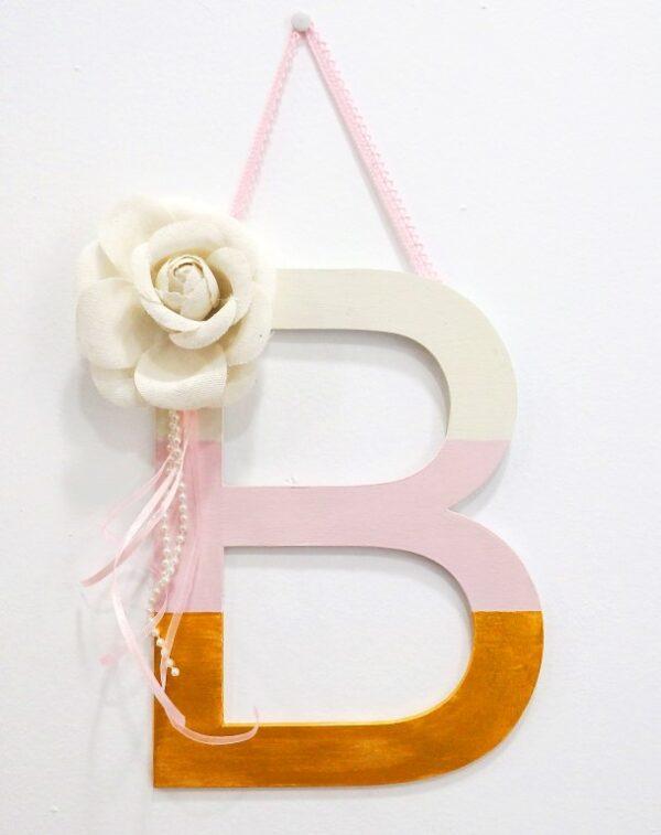 Ξύλινο γράμμα με λουλούδια-ZG075
