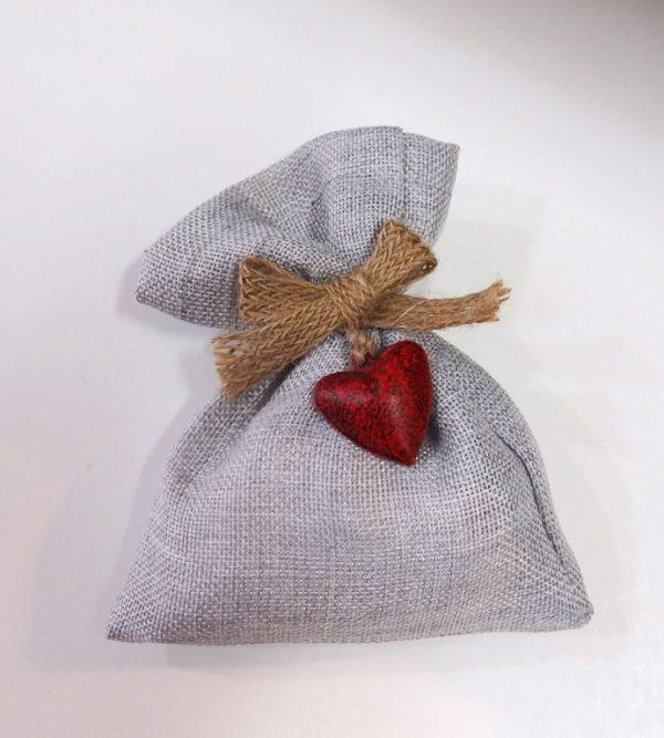 Μπομπονιέρα γάμου πουγκί με μεταλλική καρδιά - WB101