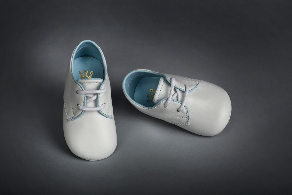 767ac0af567 Βαπτιστικά παπουτσάκια αγκαλιάς για αγόρι 9106 | Happyrooms