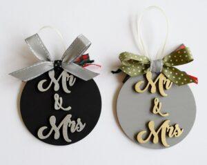 Χριστουγεννιάτικα στολίδια Mr & Mrs