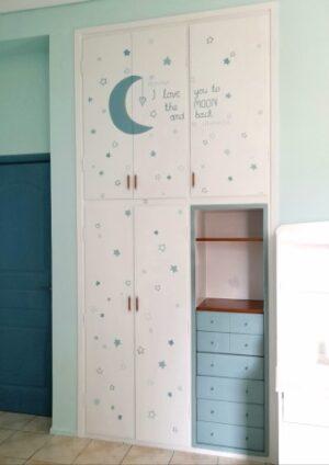 Ζωγραφική ντουλάπας για παιδικό δωμάτιο Till the moon and back